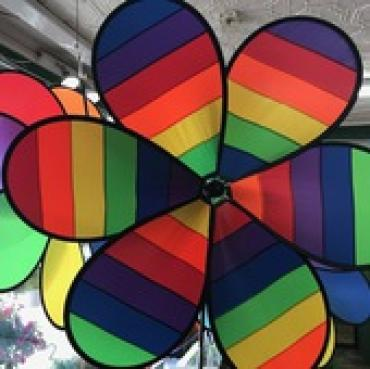 Rainbow Striped Flower Spinner