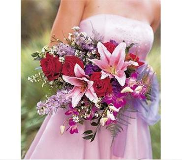 Teleflora\'s Cradled Beauty Bouquet