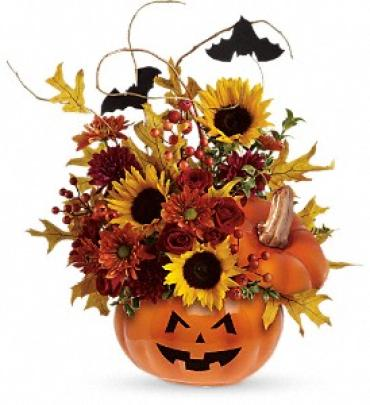 Teleflora\'s Trick & Treat Bouquet